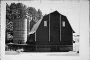 132 COUNTY HIGHWAY E, a Astylistic Utilitarian Building barn, built in St. Joseph, Wisconsin in 1917.