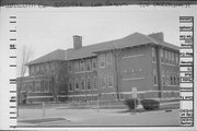 900 WISCONSIN ST, a Prairie School elementary, middle, jr.high, or high, built in Lake Geneva, Wisconsin in 1904.