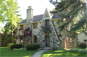 908 CHARLES ST, a Tudor Revival house, built in Watertown, Wisconsin in 1930.