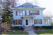 803 E FOREST AVE, a American Foursquare house, built in Neenah, Wisconsin in 1924.