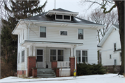 140 S KANE ST, a American Foursquare house, built in Burlington, Wisconsin in 1920.