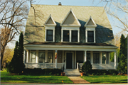 504 E NORTH ST, a Dutch Colonial Revival house, built in Appleton, Wisconsin in 1904.