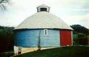 11314 COUNTY HIGHWAY P, a centric barn, built in Clinton, Wisconsin in 1914.