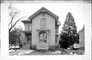 458 W PRAIRIE ST, a Italianate house, built in Columbus, Wisconsin in 1874.