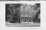 900 WISCONSIN ST, a Prairie School elementary, middle, jr.high, or high, built in Lake Geneva, Wisconsin in 1928.
