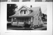 218 SPAULDING AVE, a Bungalow house, built in Ripon, Wisconsin in 1915.