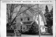 223 N WASHINGTON ST, a Dutch Colonial Revival house, built in Watertown, Wisconsin in 1929.