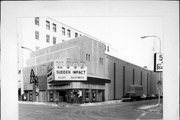 123 S 5TH AVE, a Contemporary theater, built in La Crosse, Wisconsin in 1936.