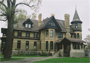 537 E WISCONSIN AVE, a Queen Anne house, built in Neenah, Wisconsin in 1883.