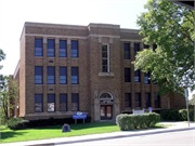 124 2nd ST, a Prairie School elementary, middle, jr.high, or high, built in Baraboo, Wisconsin in 1928.