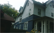 401 11th St (1100 College Ave), a Craftsman house, built in Racine, Wisconsin in 1908.