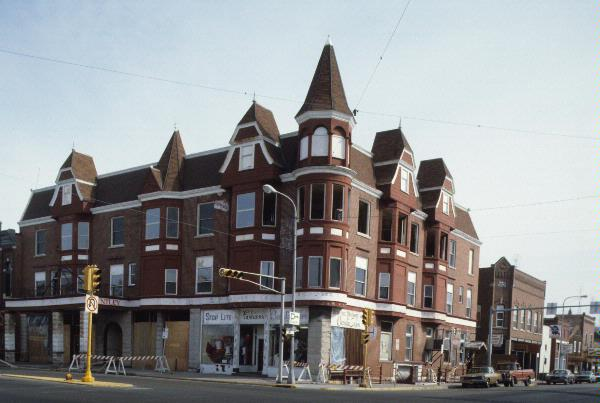 204 Main St A Queen Anne Hotel Motel Built In Reedsburg Wisconsin