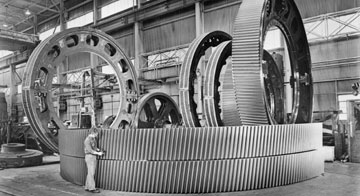Historic image: Manufacturing of Ring Gears, Milwaukee, Wisconsin, May 1979. WHI 50787.