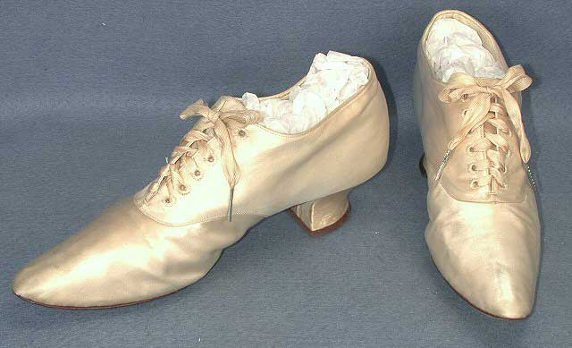 Enlarge Off White Silk And Leather Wedding Shoes With A Two Inch Heel And  Shoe Laces